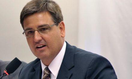 Fernando Segóvia assume hoje a diretoria-geral da Polícia Federal