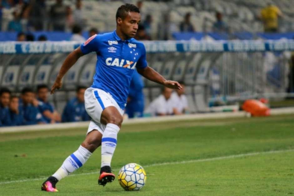 Bahia não se posiciona, mas site diz que Cruzeiro confirma venda de Élber ao Esquadrão