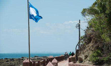 Praia da Ilha dos Frades tem renovação de selo de excelência internacional