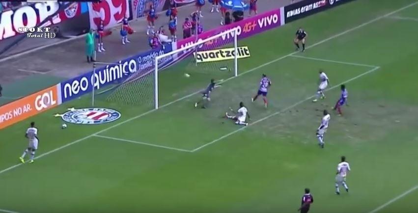 Bahia 2 x 1 São Paulo: em agosto, na Arena Fonte Nova, o Bahia aplicou 2 a 1 no São Paulo