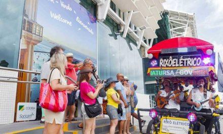 Bahiatursa convida passageiros de navio para o Carnaval da Bahia