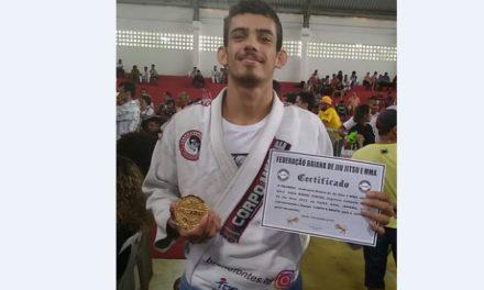 Estudante do Colégio Acadêmico de Vilas é campeão baiano juvenil de Jiu Jitsu