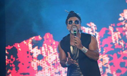 Percussões de Brown e da Timbalada vibram corações no Festival Virada Salvador