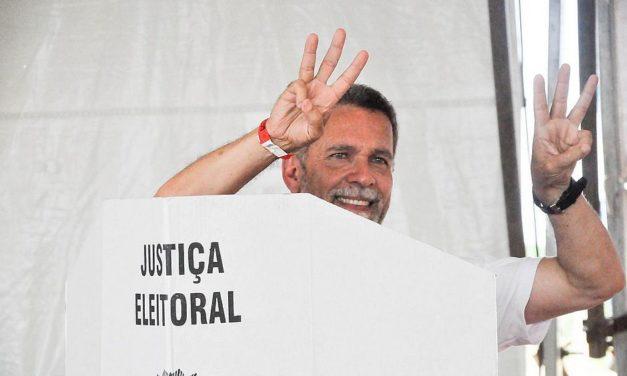 Ricardo David surpreende e eleito presidente do Vitória no primeiro turno