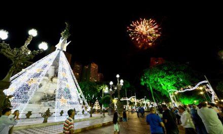 Iluminação e decoração de Natal convocam clima de paz em Salvador