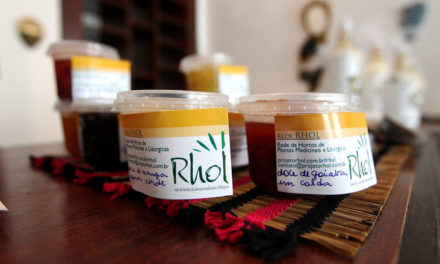 Loja colaborativa comercializa produtos do povo de terreiro