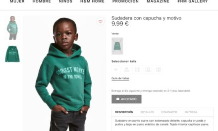 """H&M retira de site foto de menino negro com casaco em que se lê """"macaco mais legal da selva"""""""