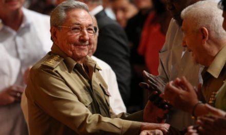 Raúl Castro orquestra sua saída do poder