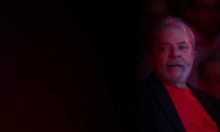 Lula fica mais perto da prisão e mais longe da eleição