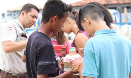 Jovens participam de curso de robótica na BCS de Conquista