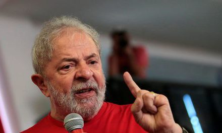 Juiz do DF manda apreender passaporte do ex-presidente Lula