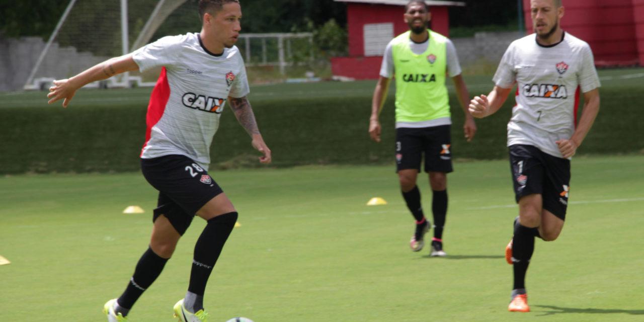 Vitória oficializa a contratação do volante Lucas Marques