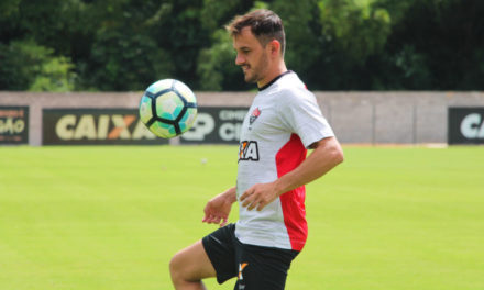 Lateral-direito Lucas já assinou contrato com o Vitória até o fim de 2018