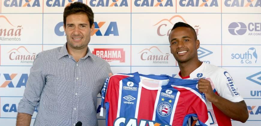 Élber diz que se sente lisonjeado por defender um grande clube como o Bahia