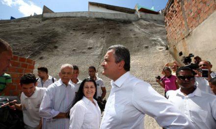 Governo entrega 30ª obra do programa de contenção de encosta