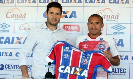 Nino Paraíba é apresentado e diz que é uma honra vestir a camisa do Bahia