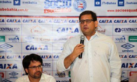 Ao lado de Bellintani, Guto Ferreira é apresentado como comandante do Bahia