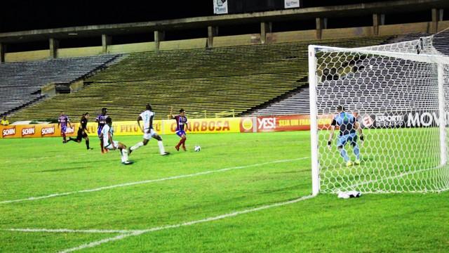 Bahia vence o Altos-PI mesmo apresentado um futebol sofrível em Teresina