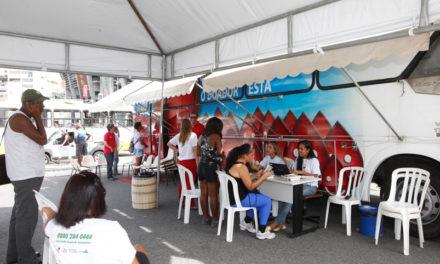 Unidades móveis da Hemoba atendem doadores em Hipermercado e na Estação Rodoviária de Salvador
