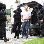 Moro pede que PF justifique uso de algemas durante transferência de Cabral