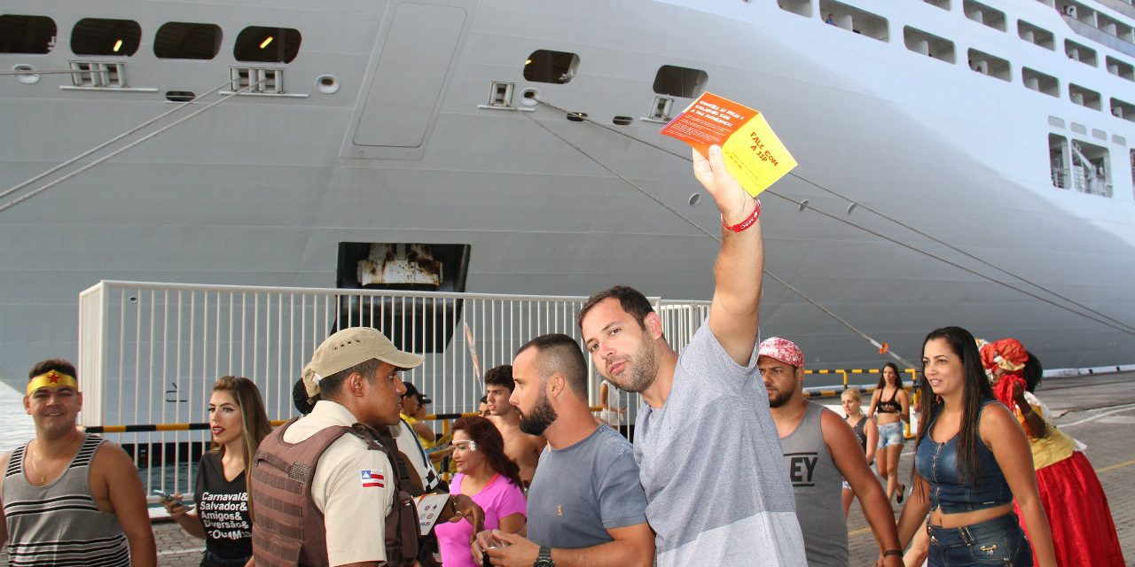 Batalhão Turístico recepciona 4,2 mil turistas no Porto Marítimo