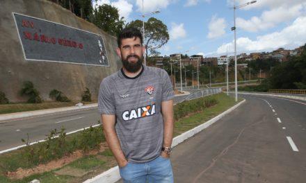 Goleiro Fernando Miguel visita a Avenida Mário Sérgio