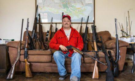 O que pensam os norte-americanos que têm um arsenal de armas em casa