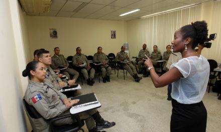 Ronda Maria da Penha da PMBA capacita policiais de Alagoas