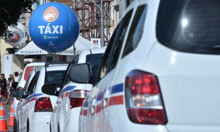 Foliões podem denunciar recusa de corrida por taxistas pelo WhatsApp