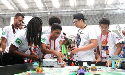 Alunos da rede estadual participam de torneio de robótica