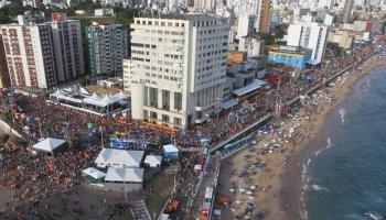 Salvador vive e pula Carnaval pacífico