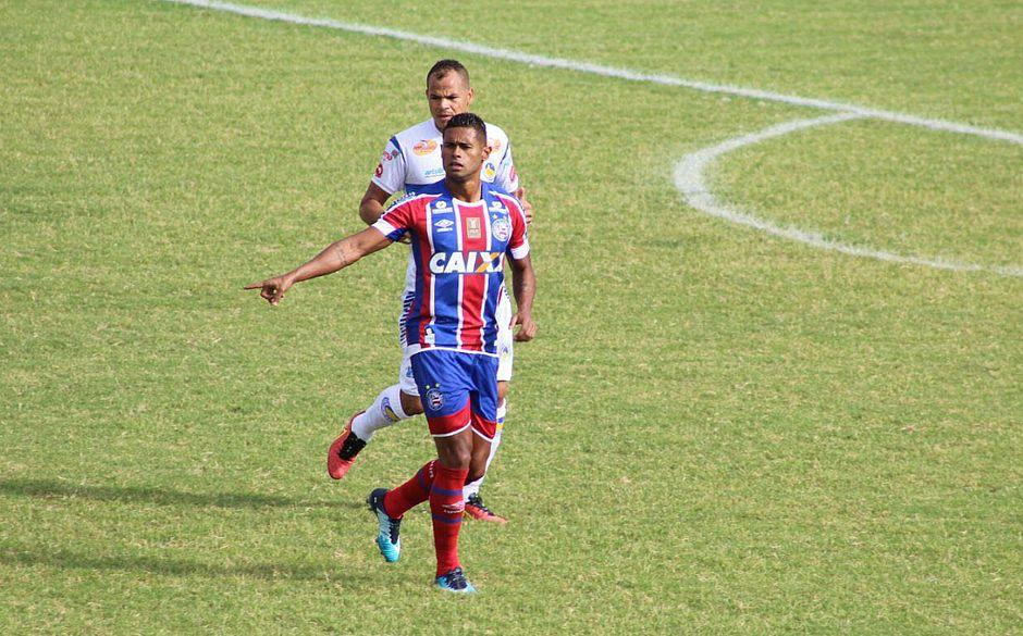 Bahia volta a jogar de forma sofrível, decepciona torcida e não passa de empate com o lanterna Jacobina