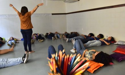 Integração e arte marcam início das oficinas do Centro Juvenil de Ciência e Cultura