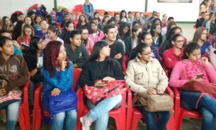 'Adab na Exposição' leva educação sanitária a escolas de Vitória da Conquista