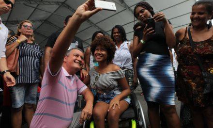Governador e primeira-dama visitam Feira Março Mulher