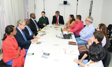 Bahia recebe embaixador da África do Sul para discutir desenvolvimento rural