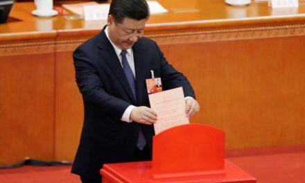 China altera Constituição e Xi Jinping poderá ficar na presidência por tempo ilimitado