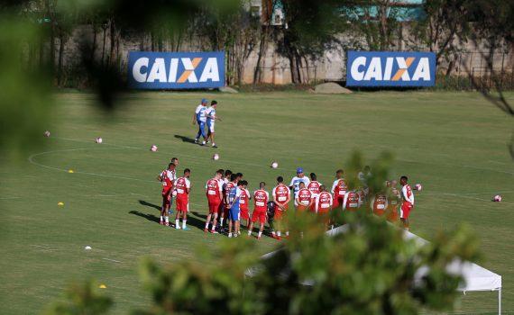 Treinador relaciona 20 jogadores do Bahia para enfrentar a Juazeirense