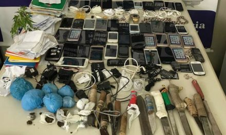 Polícia apreende celulares, carregadores e facas em conjunto penal de Jequié