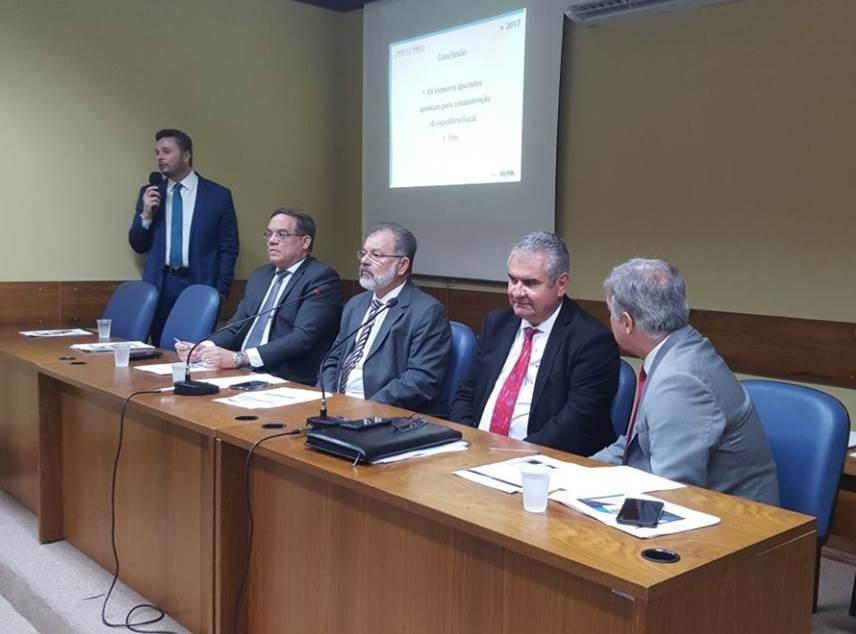 Arrecadação própria e controle de gastos garantem equilíbrio fiscal, afirma Manoel Vitório