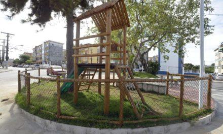 Prefeitura entrega novas praças e quadras esportivas no Resgate