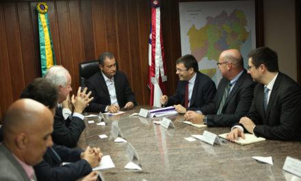 Governador recebe presidente da Vinci Airports e discute obras no aeroporto