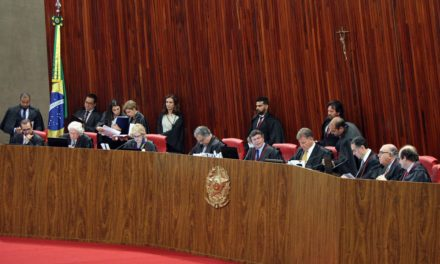 TSE manda PT e DEM devolverem R$ 2,5 milhões aos cofres públicos