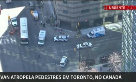 Van atropela pedestres e deixa 9 mortos em Toronto