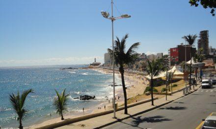Tempo instável requer atenção máxima dos banhistas nas praias de Salvador