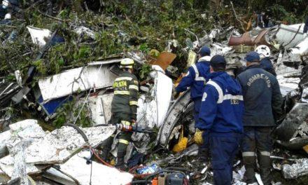 Relatório da Aeronáutica Civil da Colômbia: tripulação  falou do risco de ficar sem combustível mais de duas horas antes de o avião cair
