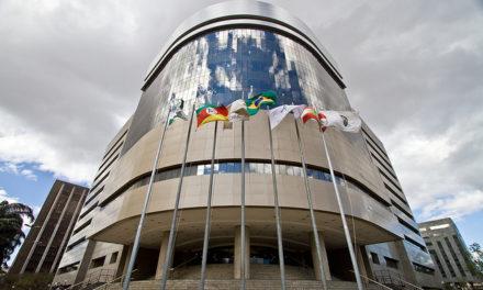 TRF4 nega pedido da defesa de Lula para discutir suspeição de Moro no STF e STJ