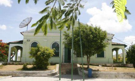 Festa celebra centenário de escola municipal na Liberdade