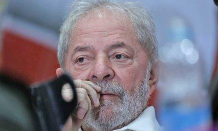 Luiz Inácio Lula da Silva é primeiro ex-presidente brasileiro preso por crime comum