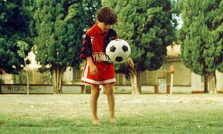 """""""Mundo Deportivo"""" informa que neste domingo Messi chegou aos 1000 gols"""